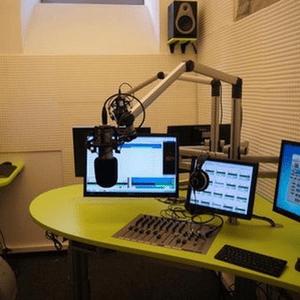 Radio fryday-night